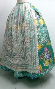 Vestido tradiconal tintoreria